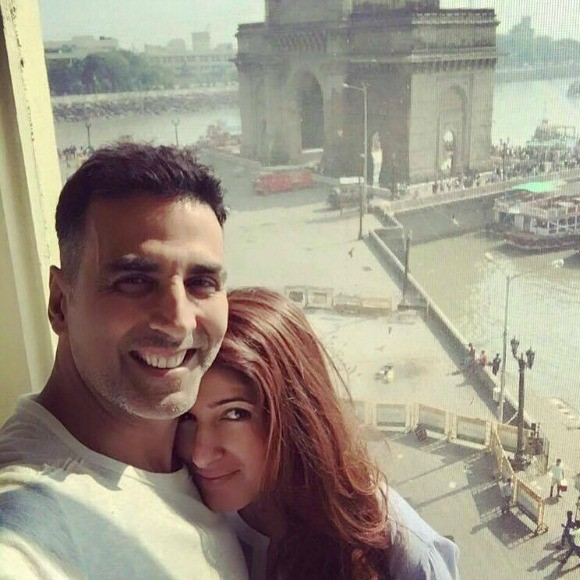 Best_Bollywood_Celebrity_Selfies_Akshay