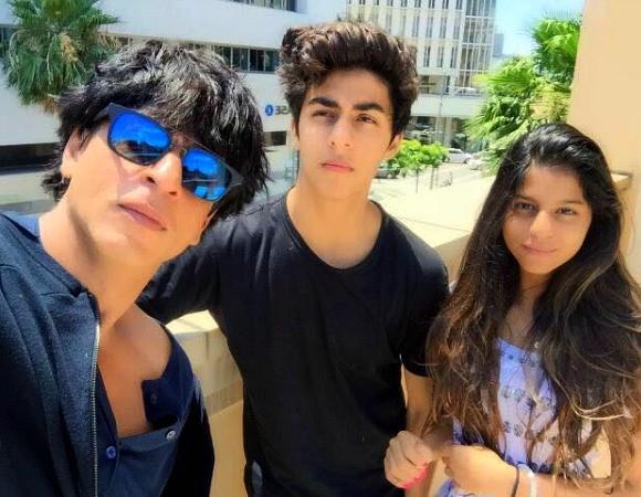 Best_Bollywood_Celebrity_Selfies_SRK_Kids
