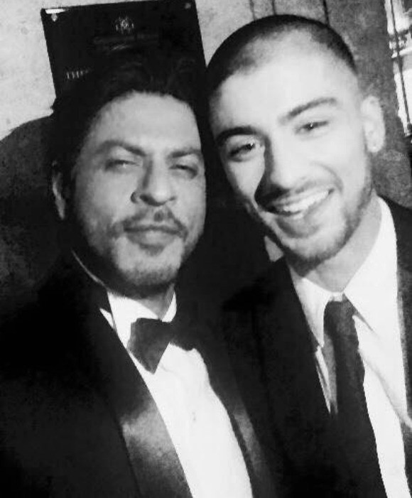 Best_Bollywood_Celebrity_Selfies_SRK_Zayn