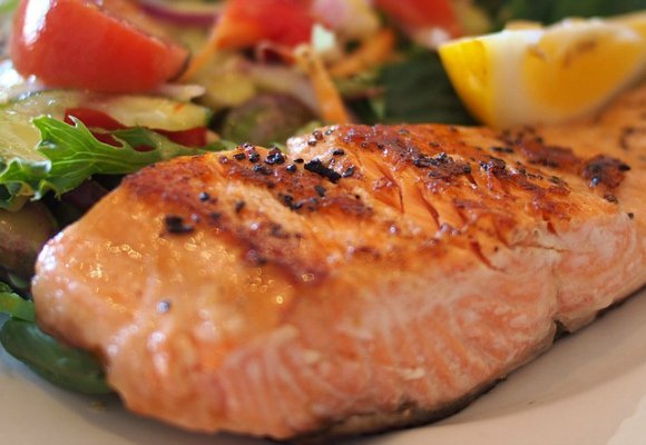 Healthy-Lunch-Recipes-Work-Baked-Salmon
