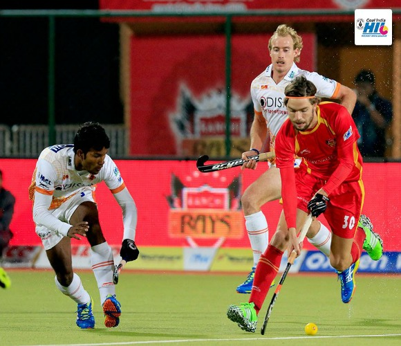 https://www.desiblitz.com/wp-content/uploads/2016/01/Hockey-India-League-Roundup-Week-2-match-10-additional-image-4.jpg