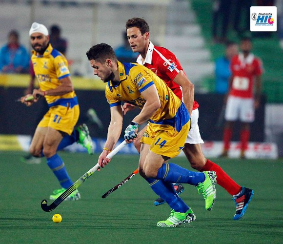 https://www.desiblitz.com/wp-content/uploads/2016/01/Hockey-India-League-Roundup-Week-2-match-7-additional-image-2-jpg.jpg