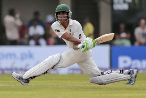 Sporting-Moments-2015-Younis-Khan