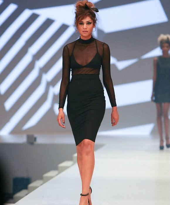 Amreen-Akhtar-quits-Britains-Next-Top-Model-