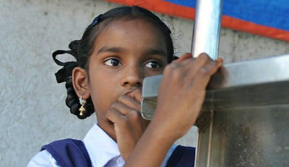 இந்திய கிராமத்தில் சிறுமிகளுக்கான மொபைல் போன்களின் தடை கூடுதல் படம் 1