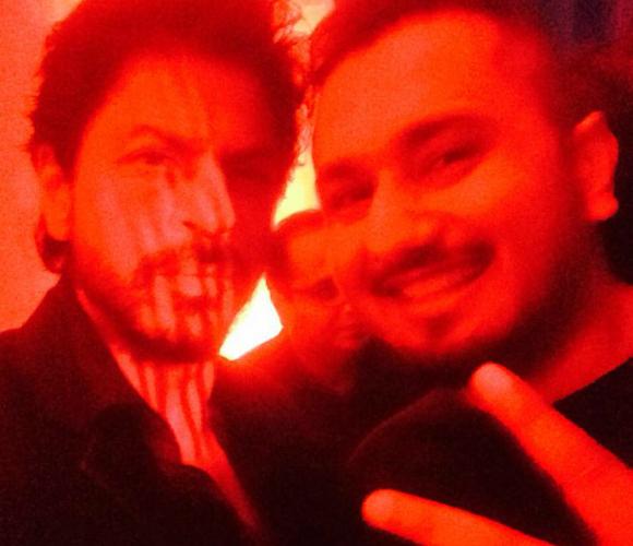 The SELFIE of SRK and YO YO HONEY