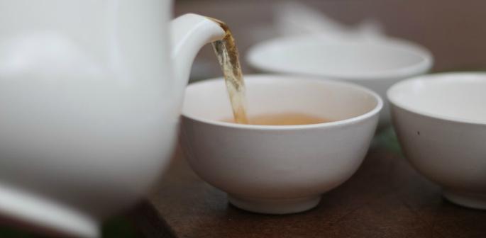 Desi Chai vs English Tea ~ The Better Brew