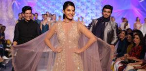 Manish Malhotra 'ELEMENTS' opens Lakmé S/R 2016