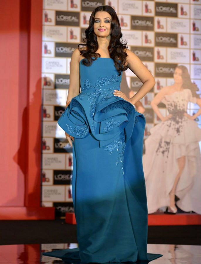 Aishwarya Rai looks Infalliable at L'Oreal launch