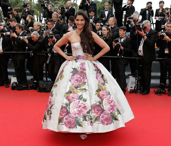 Aishwarya and Sonam to grace Red Carpet at Cannes 2016