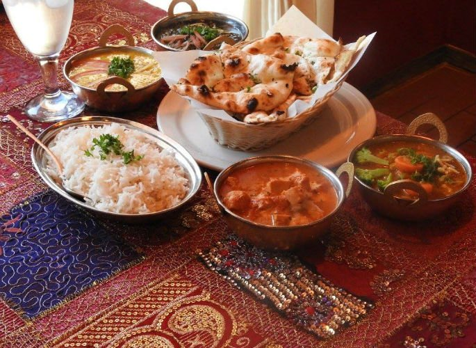 Indian Curry House giving Free Food to Needy