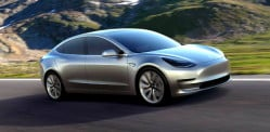 Tesla Model 3 launch receives £7 billion Pre-Orders