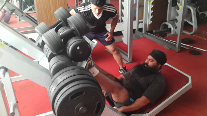 how to have an effective leg workout - incline leg press