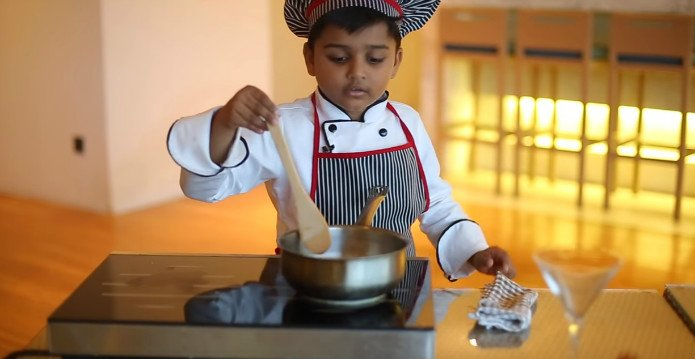 Facebook Pays $2,000 to 6 year old Chef for Making Mango Ice Cream 2