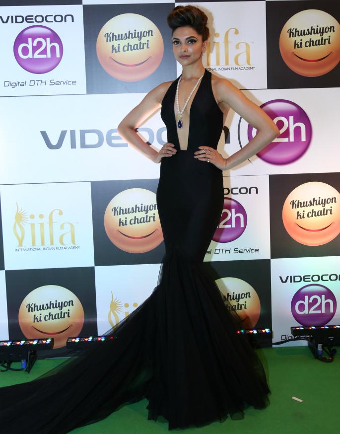 IIFA-Rocks-2016-Fawad-Khan-Deepika-1