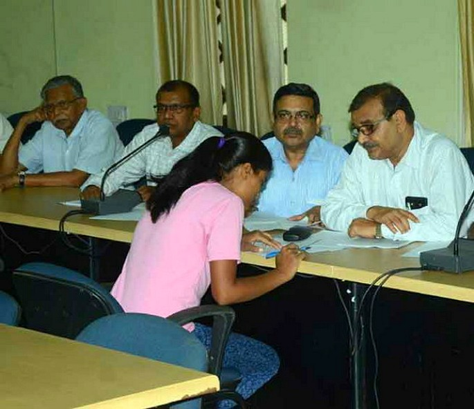 Indian schoolgirl jailed for Exam Cheating