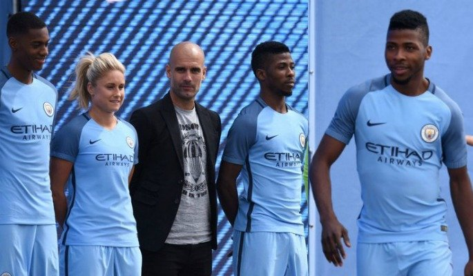 2016-17 Man City Kit