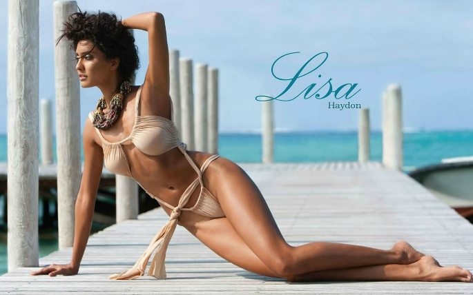 Hot-Looks-Lisa-Haydon-Kingfisher