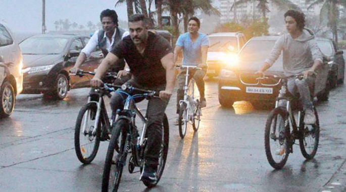 Salman and Shahrukh together on Bikes in Mumbai