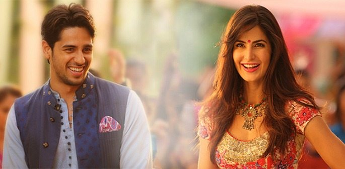 Sidharth & Katrina Kaif have Fun in 'Nachde Ne Saare'