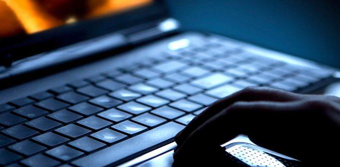 Laptop-Man-Alt