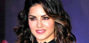 Sunny Leone feels she doesn't fit in Bollywood