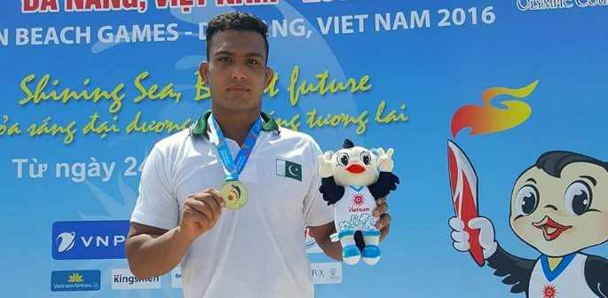 Inam Butt wins Wrestling Gold at 5th Asian Beach Games
