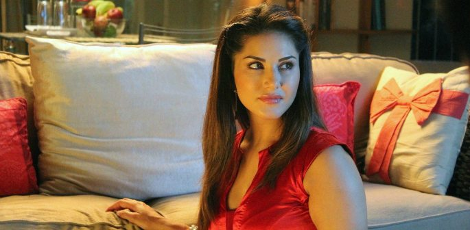 Sunny Leone is a Sexy Business Woman in Beiimaan Love