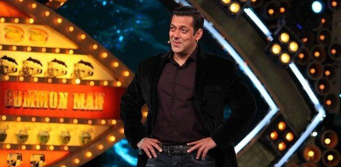 Salman Khan kick starts Bigg Boss – Weekend Ka Vaar with a bang!