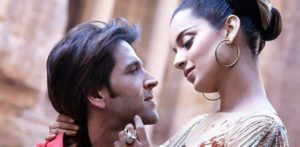 Kangana does it Again and takes a Dig at Hrithik