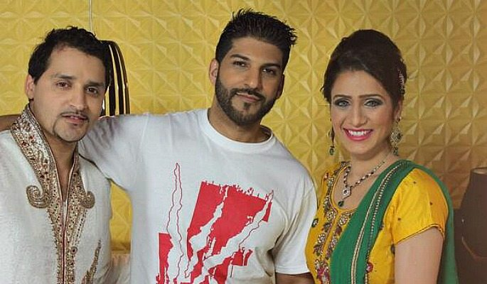 Mani Kaur was officially introduced by DJ Sanj and Jay Status in 'Jorri'