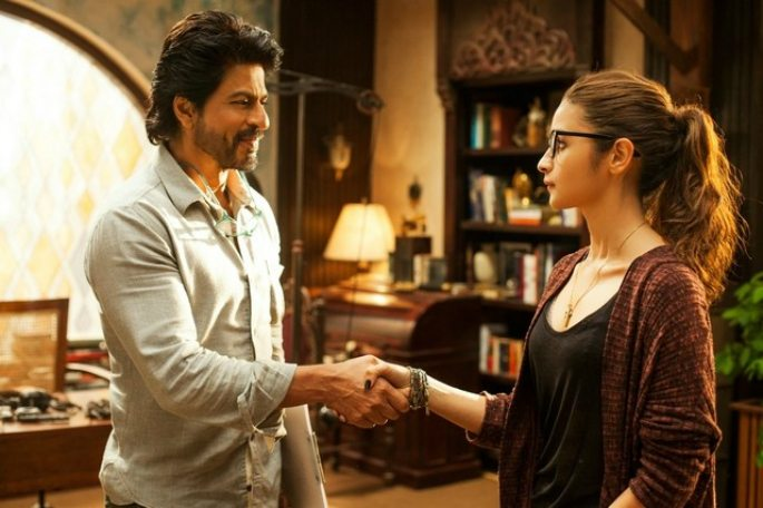 Shahrukh Khan and Alia Bhatt on Highway of Life in 'Dear Zindagi'
