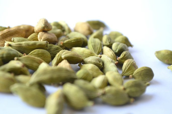 health-benefits-spices-cardamom