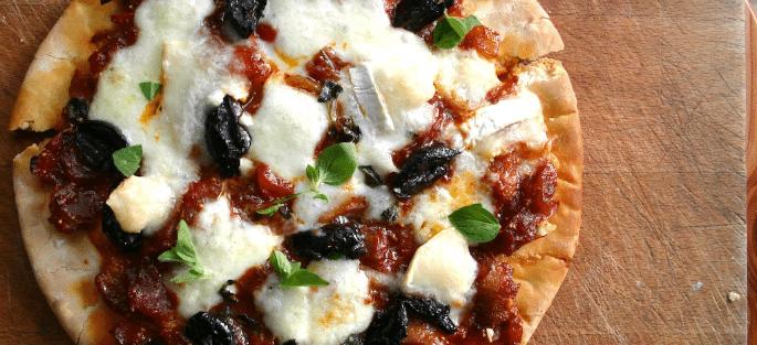 पिज्जा पर देसी ट्विस्ट