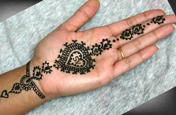 Beautiful Mehndi Designs for Valentine's Day