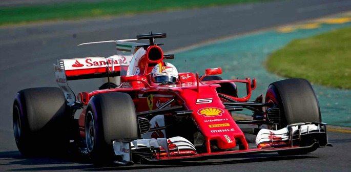 Sebastian Vettel wins Australian F1 GP