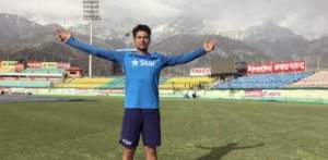 Kuldeep Yadav becomes the First Indian 'chinaman' in Cricket
