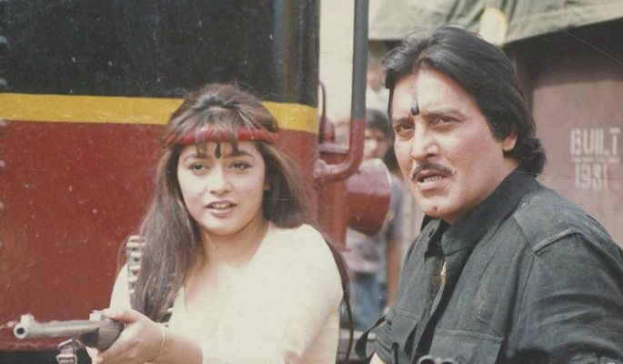 A Tribute to Vinod Khanna ~ Bollywood's 70s Legend