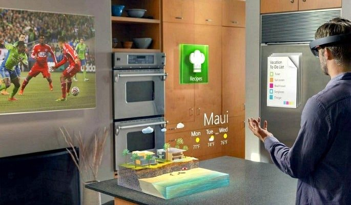 Could Microsoft's HoloLens mark the End of Mobile Phones- Image 2