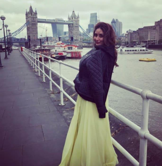 करीना कपूर अपनी खूबसूरत तस्वीरों से प्रशंसकों को स्तब्ध कर देती हैं क्योंकि वह फिल्माने के लिए लंदन जाती हैं। काम पर लौटने के बाद, उन्होंने उचित 'फिल्मी' शैली में यात्रा की!