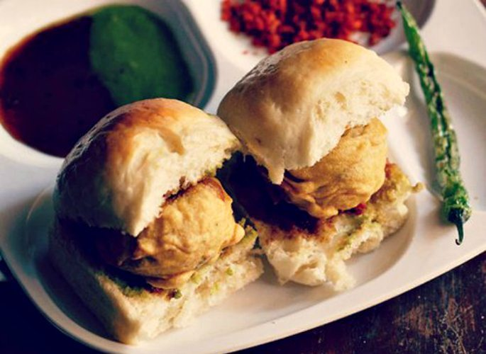 6 Mouth-Watering Indian Street Food Dishes