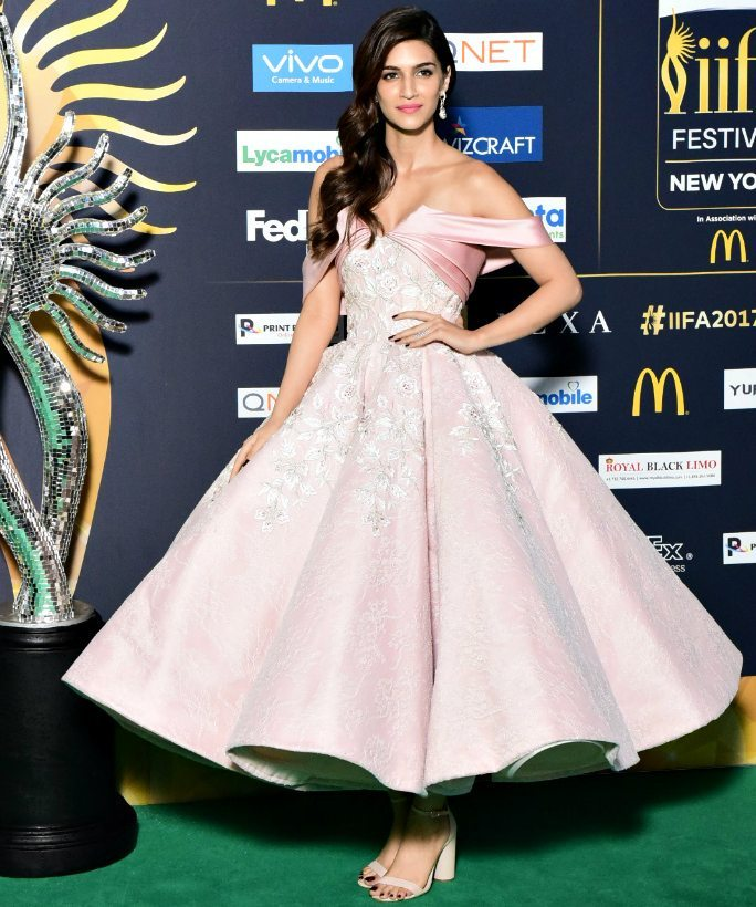Best Dressed at IIFA Rocks 2017