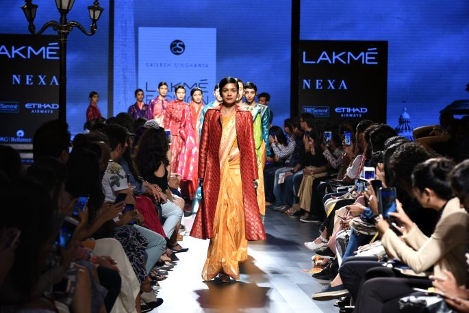 Radhika Apte walks the Catwalk for Lakmé Fashion Week