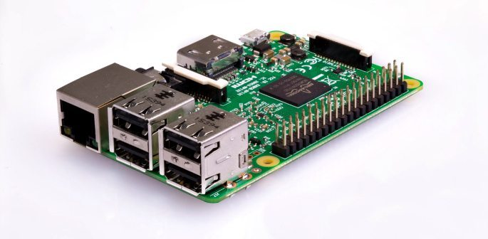 What is Raspberry Pi and can you Program Robots with It?