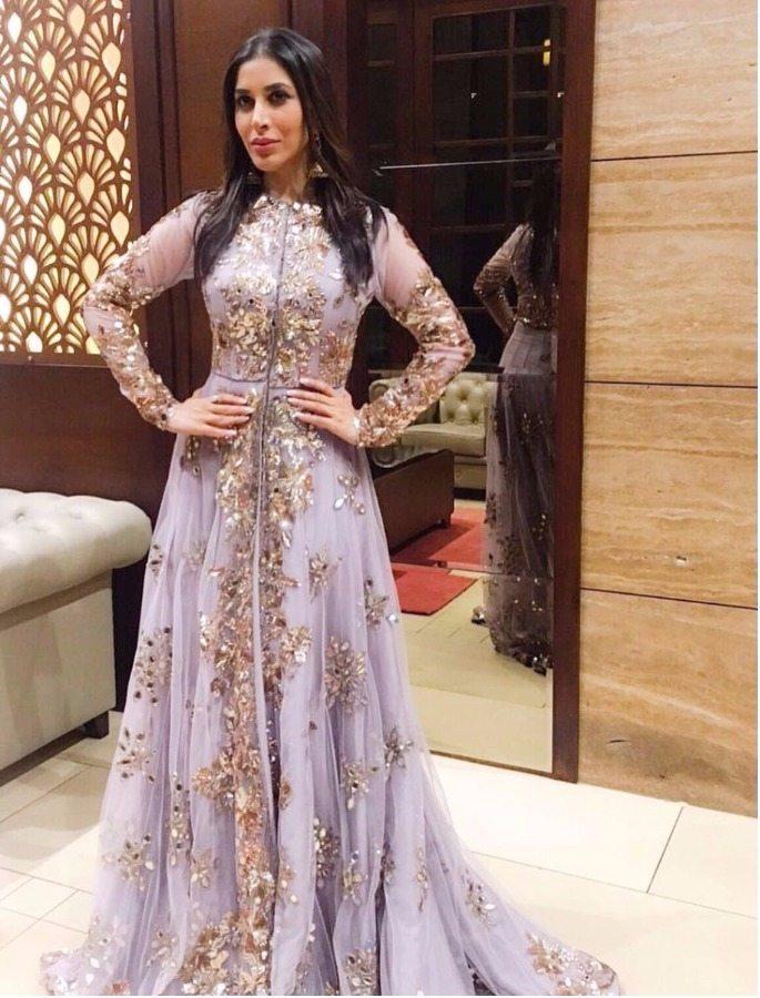 Weekend Fashion: Deepika and Priyanka are Elegant Goddesses
