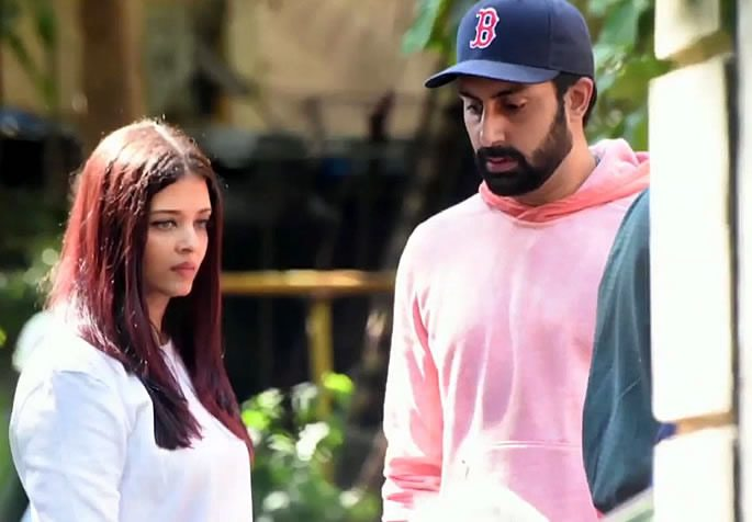 Aishwarya and Abhishek looking upset