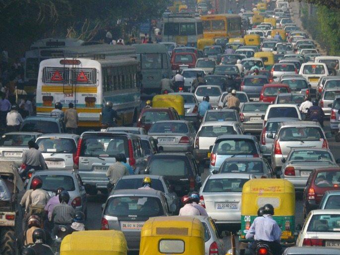 Five-Indians-Die-Every-Minute-Delhi-Fog-Traffic
