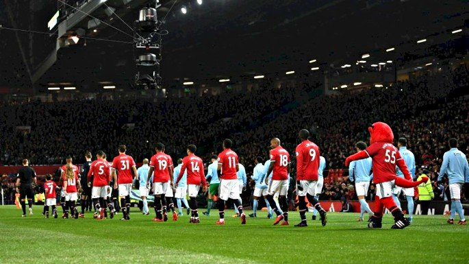 Home advantage counted for little as Man City beat Man United 2-1 at Old Trafford