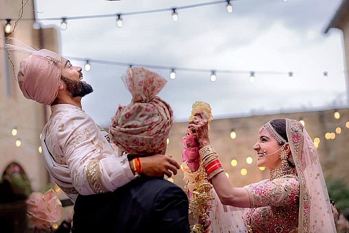 Presenting Virat and Anushka as MR AND MRS KOHLI!