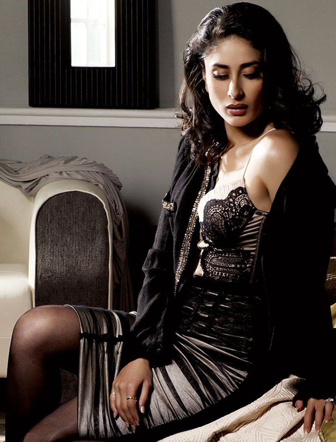 Kareena in lacy dress